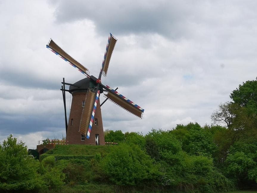 Fähren, Mühlen und Früchte – Tour nachArcen