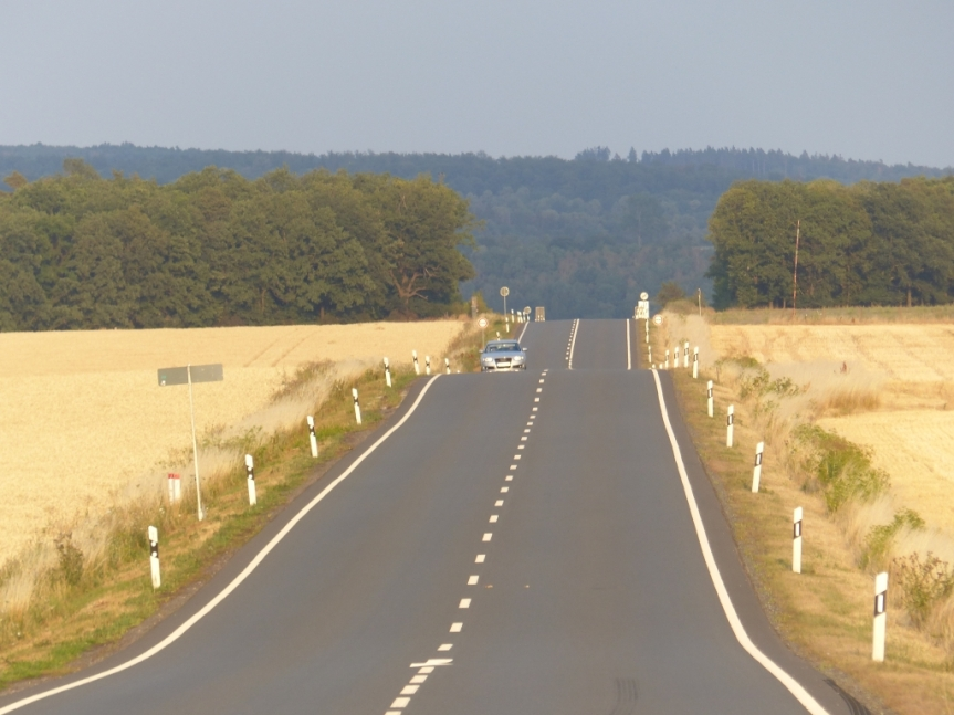 Roadtrip in den Urlaub: Tag 2 – Die Elbe, die zweite Liga und das Cello imKeller