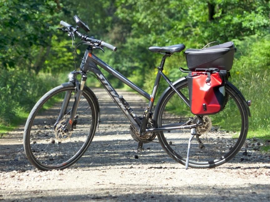 Kies, Dünen, Flugzeuge und Wärme – die erste 100 Kilometer Tour2019