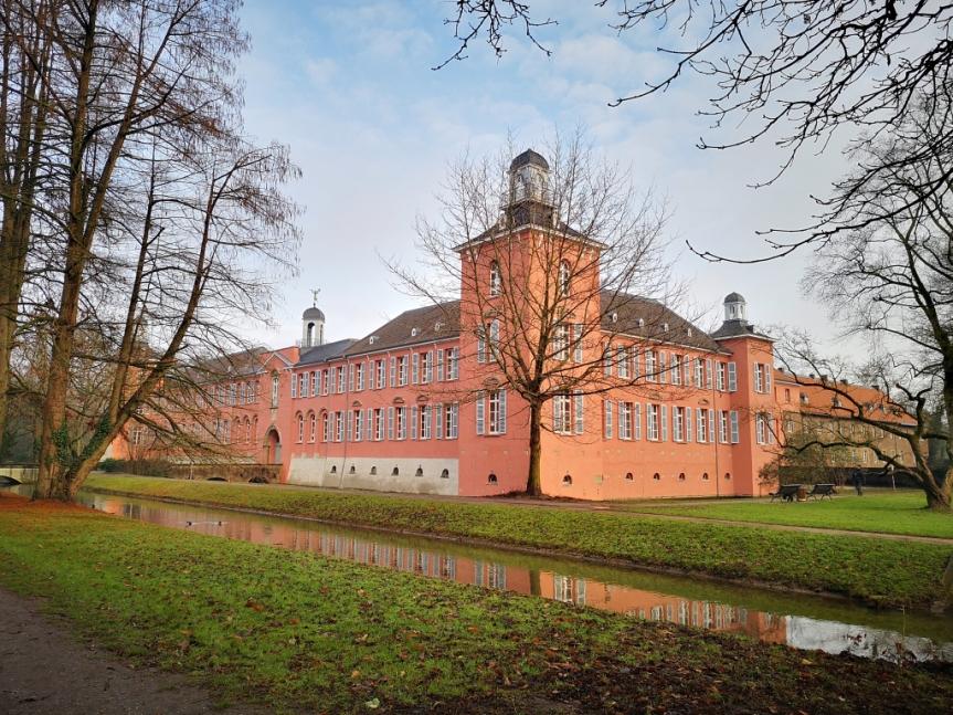 Neujahrsrunde 2021 – Krefeld, Düsseldorf, ein Schloss und der bunteFlieger